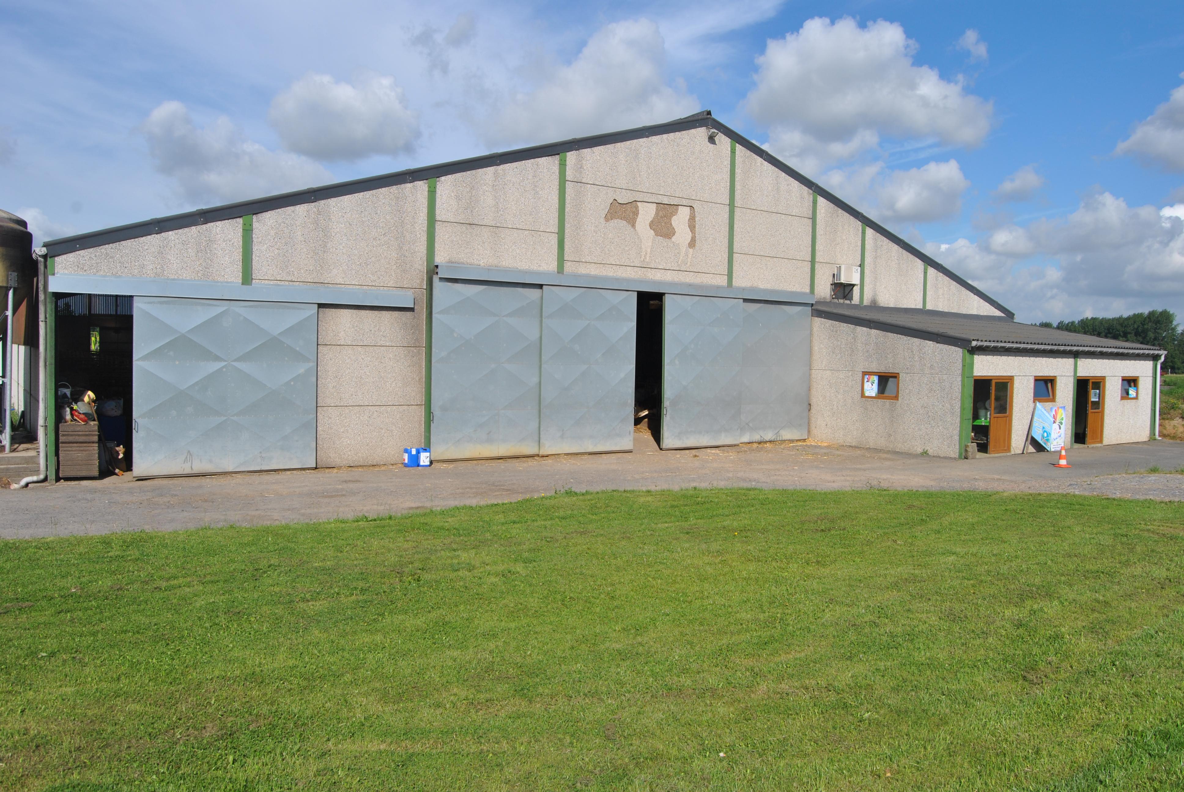 La ferme saint martin peissant beurre labeur et labours une brique da - Hangar a vendre liege ...