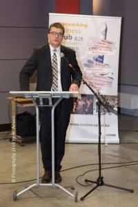 Pierre Léonard représente le ministre Marcourt