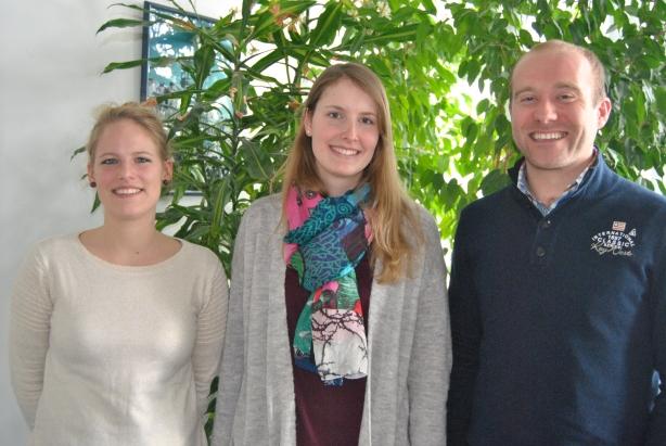 Une partie de l'équipe de Upcity. De gauche à droite : Camille Lhote, Vinciane Blomeling et Jérôme Urbain.